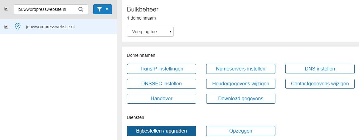 vink je domein aan en klik op 'Bijbestellen / Upgraden'